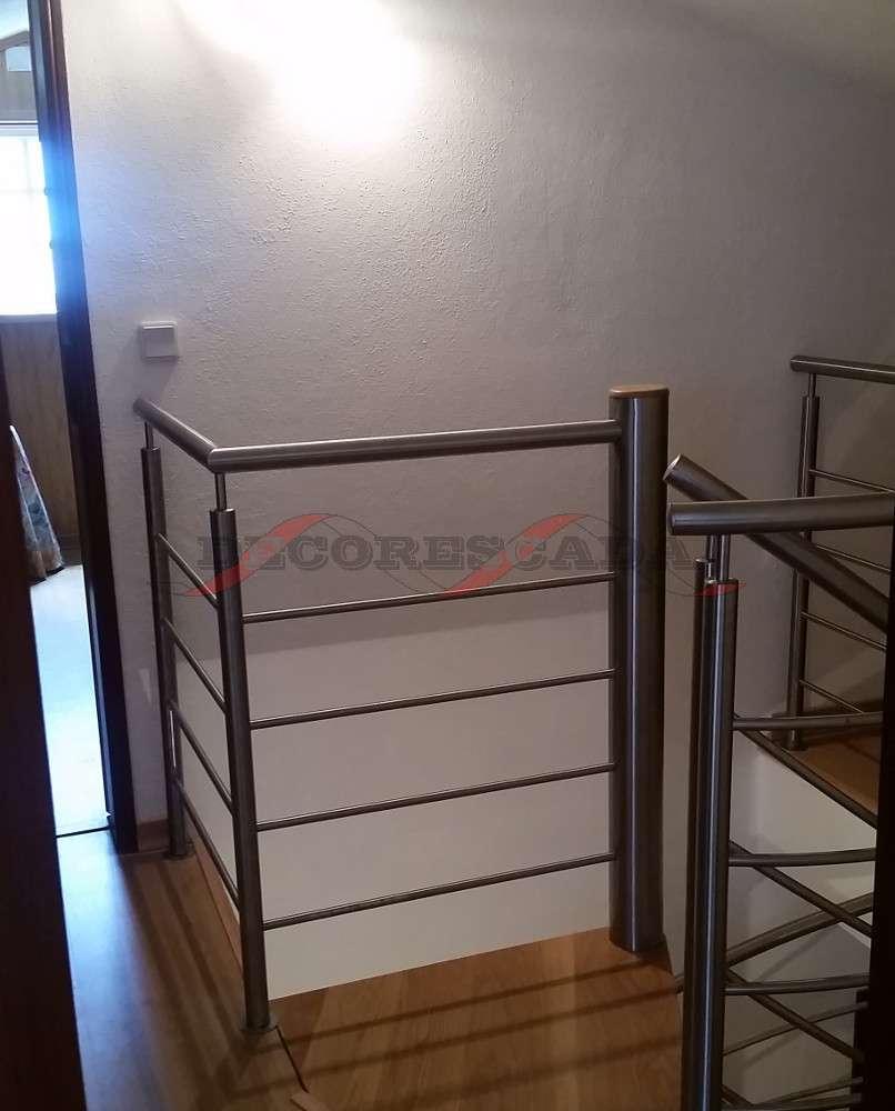 decorescada escada em caracol interior em inox e madeira. Black Bedroom Furniture Sets. Home Design Ideas